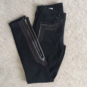 Mother black jeans w/ embroidery accents, Size 26